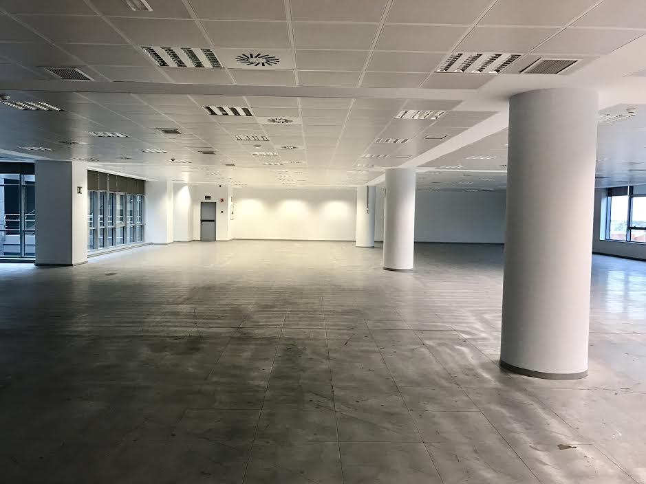 Edificio axa oficinas y garaje pintura decorativa for Oficinas de axa en madrid